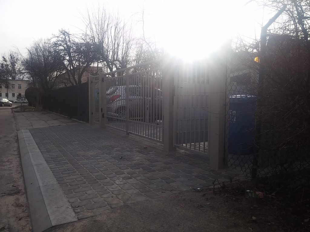 Front ogrodzenia - LUX, AW.10.54 + automatyka NICE + domofon Urmet.
